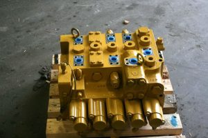 Cat345D_m480_Bodyvalve_4